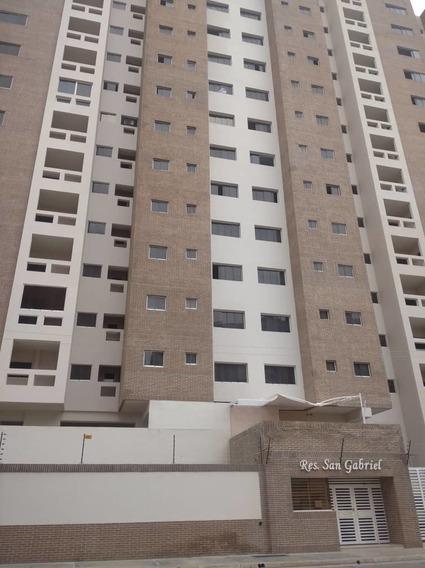 Apartamento En Venta. Base Aragua. 04243094446