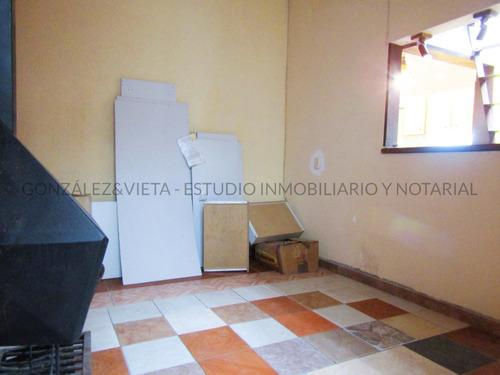 Apartamento De 1 Dormitorio En La Comercial