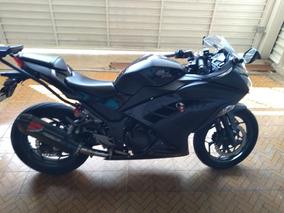 Kawasaki Ninja 300 Preta Com 16.000 Km