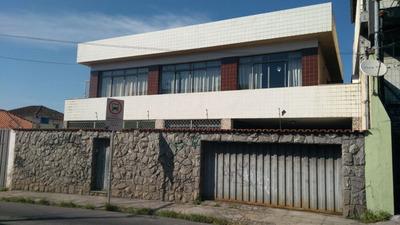 Excelente Casa De 05 Quartos No Carlos Prates. - 6045