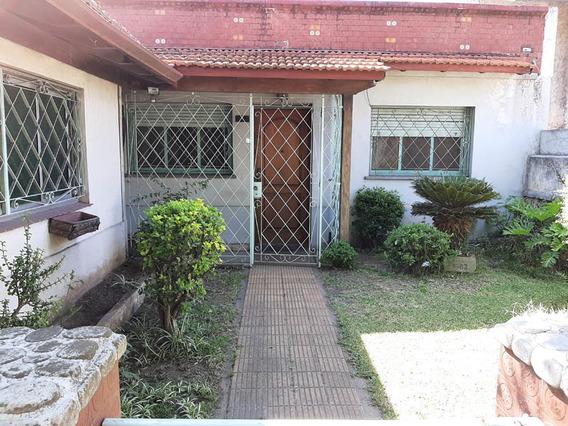 Casa De 4 Ambientes Con Fondo, Garage Y 3 Habitaciones