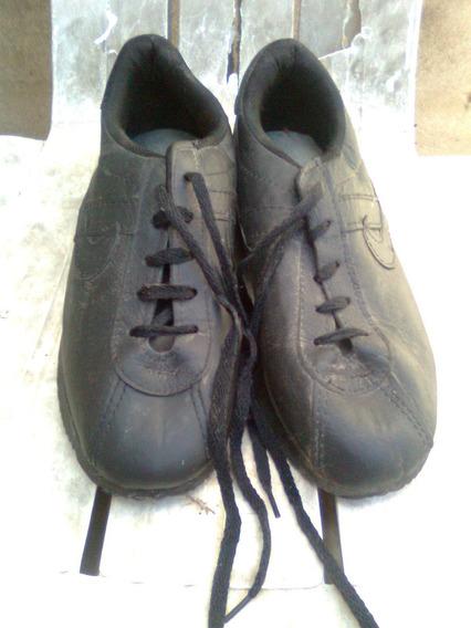 Zapatillas Talle 40 De Cuerina Negra Aptas Escolar