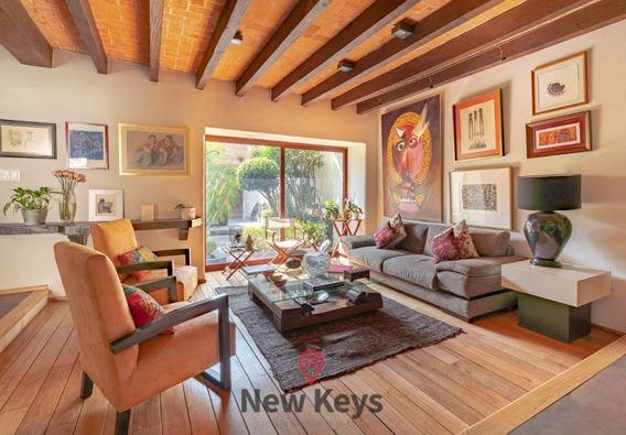 Venta Espectacular Casa En Coyoacan,3r,3,5b,2 Est,cto Serv,roof,jardin,parrilla