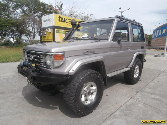 Toyota Macho Aniversario