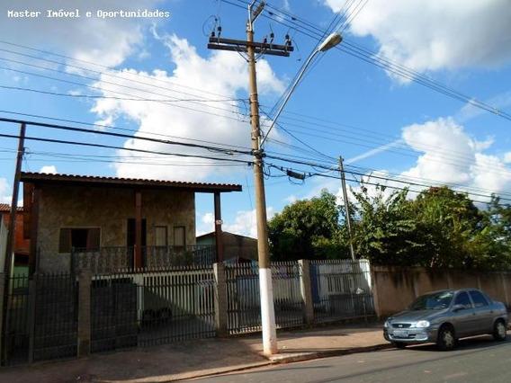 Casa Para Venda Em Valinhos, Jardim Jurema, 2 Dormitórios, 2 Banheiros, 2 Vagas - Ca010
