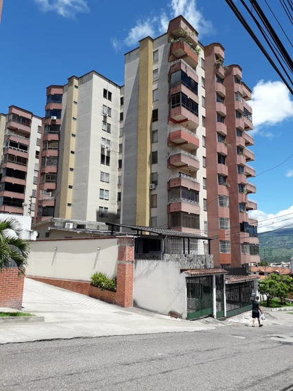Apartamento En Resd El Bosque,