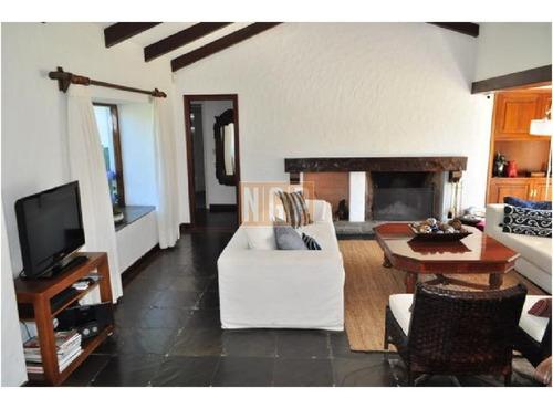 Casa En Country, 4 Dormitorios -ref:18839
