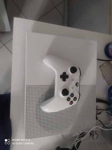 Imagem 1 de 5 de Xbox One