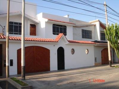 Se Vende Casa De 3 Pisos Urb. San José Ica.
