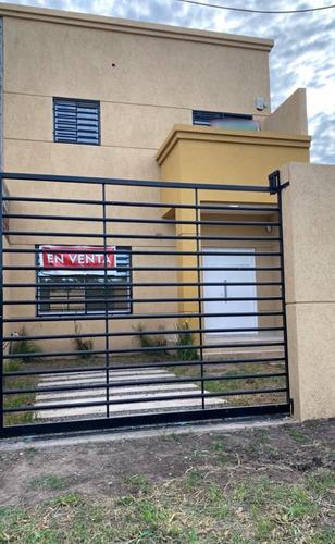Venta Dos  Duplex - Ezeiza - Barrio Autonomos - A Estrenar