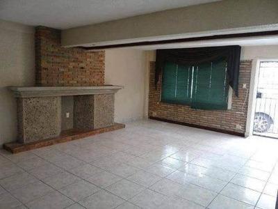 Casa Estilo Twonhouse En Venta, Col. Lomas De Rosales, Tampico, Tamaulipas.