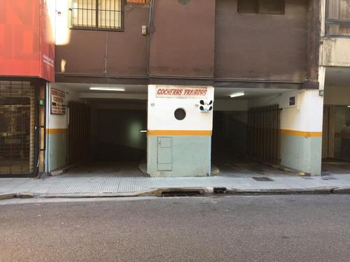 Cochera Fija Cubierta - Calle Paraguay Al 900 Caba