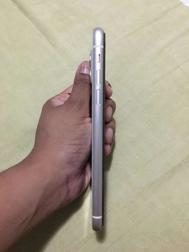 Imagem 1 de 5 de iPhone 11 64gb - Seminovo