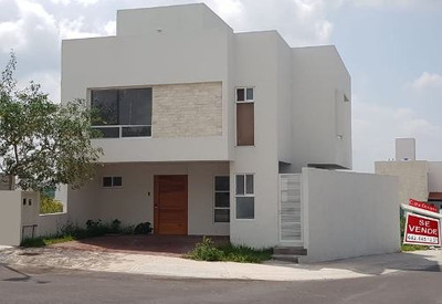 El Refugio, 3 Niveles Roof Garden, Estudio, 3 Recámaras 4bañ