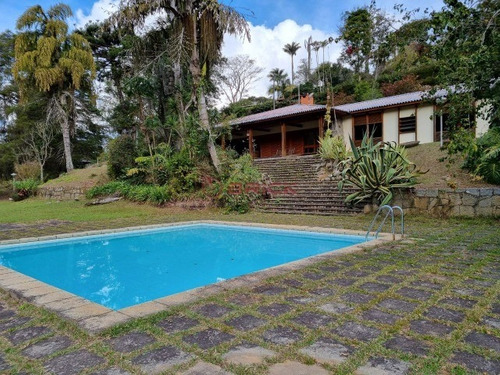 Imagem 1 de 12 de Excelente Sítio Com Área De 10 Mil M² Com Casa Principal, Casa De Caseiro E Área De Lazer. - St00120 - 4912663