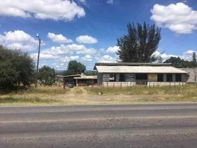 Terreno Con Casa Y Negocio Con Uso De Suelo En Querétaro