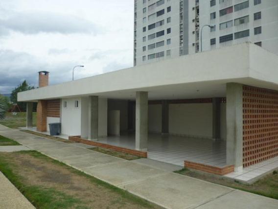Apartamento En Venta En Barquisimeto Oeste 20-13556 Rr