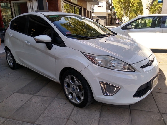 Ford Fiesta Kinetic Desing 2013 1.6 Titanium 5p Impecable