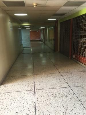 Oficina En Alquiler En Centro Comercial En Chacaito