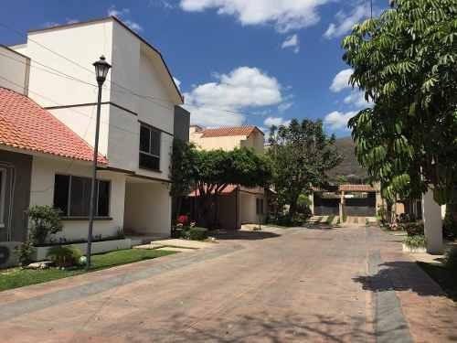 Casa En Renta De 3 Recámaras En Tuxtla Gutiérrez, Chiapas