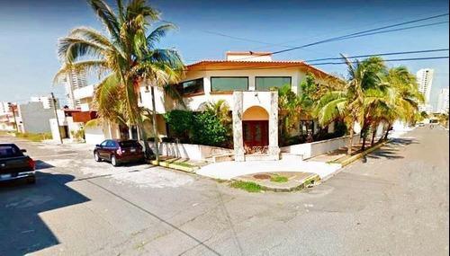 Casa En Venta En El Fracc. Costa De Oro. En Esquina, Boca Del Río, Veracruz