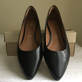 Zapatos Clarks . Mujer . Color Negro .