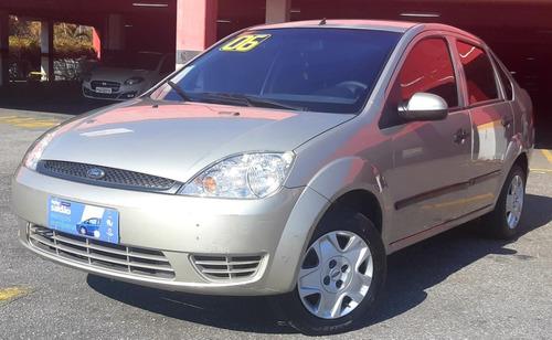 Imagem 1 de 10 de Ford - Fiesta 1.0 Sedan 2006 Unico Dono / Baixissima Km