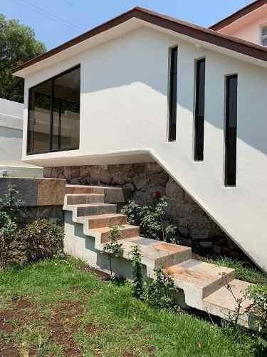 Excelente Casa Recién Remodelada