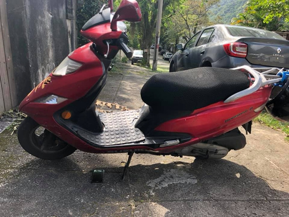 Burgman 125cc Vermelha