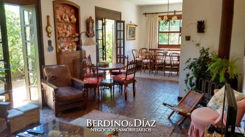 Hermosa Casa En Venta En El Corazón De La Península- Ref: 269