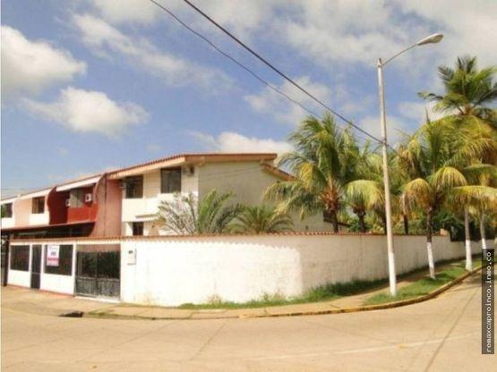Townhouse Ciudad Flamingo Chichiriviche