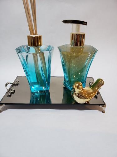 Imagem 1 de 4 de Kit Lavabo Frasco Elegancce Azul Tifane + Bandeija + Passaro