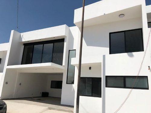 Casa En Venta En Fracc Colinas De San Isidro