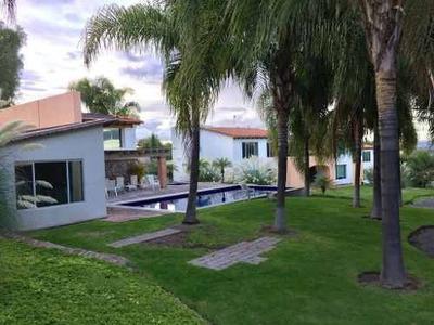 Villa En Renta Amueblada Y Sin Muebles, En Club Balvanera