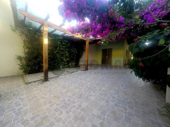 Sobrado Com 3 Dormitórios À Venda, 130 M² Por R$ 550.000,00 - Centro - Caraguatatuba/sp - So0123