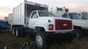 Camión Recolector De Basura En Regulares Condiciones.