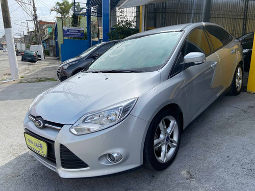 Ford Focus 2.0 Se Plus Sedan 16v Flex 4p Automático