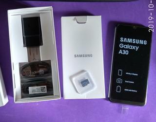 Samsung Galaxy A30 4gb/64gb + Sdd 64gb