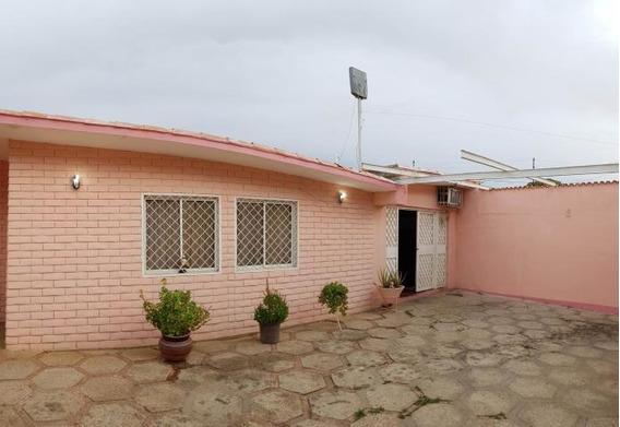 Casa En Venta Centro De Coro Cod-19-15227