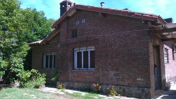 Casa Con Dos Dormitorios Y Terreno Maschwitz.-