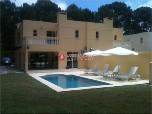 Casa En Impecable Estado Zona De Punta Ballena- Ref: 5549
