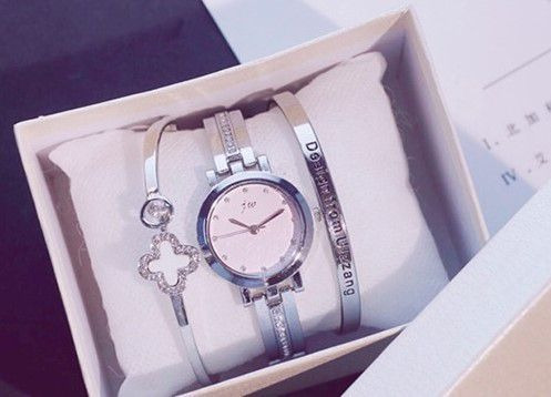 Relógio Feminino Prateado Casual + Pulseiras