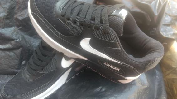 Tênis Nike Air 90