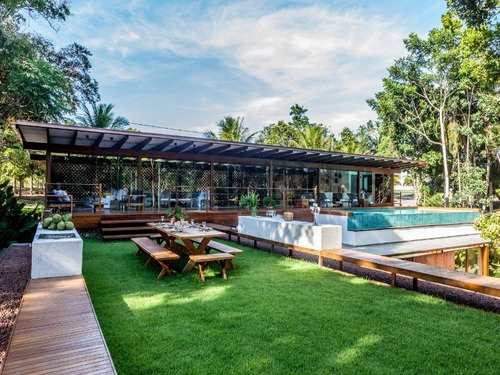 Imagem 1 de 30 de Vendo  Casa Em Trancoso -  Arquitetura & Design   - Av Itabela.   Área:1.669 M² Área Construída:885 M²  6 Suítes Com Ar Condicionado, Piscina De Borda - Ba - Ca0005_fanhan