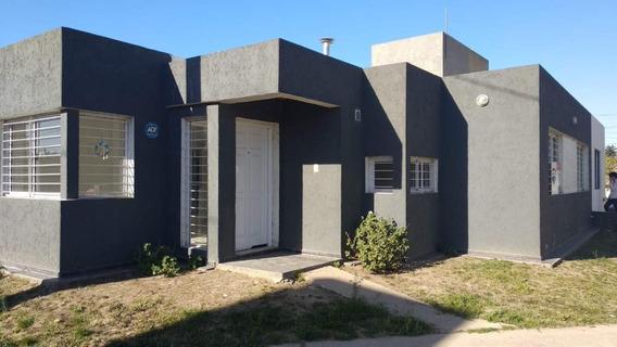 Venta/ Casa 2 Dormitorios/ Cochera/ Asador/ Bº Jardines Del Olmos