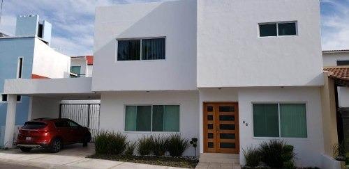 Casa En Renta En Claustros De Santiago Querétaro