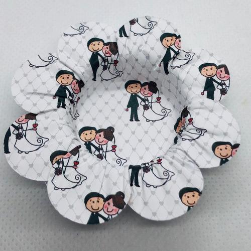 Imagem 1 de 7 de 200 Forminhas De Doces Casamento Noivado Mod.flor Noivinhos