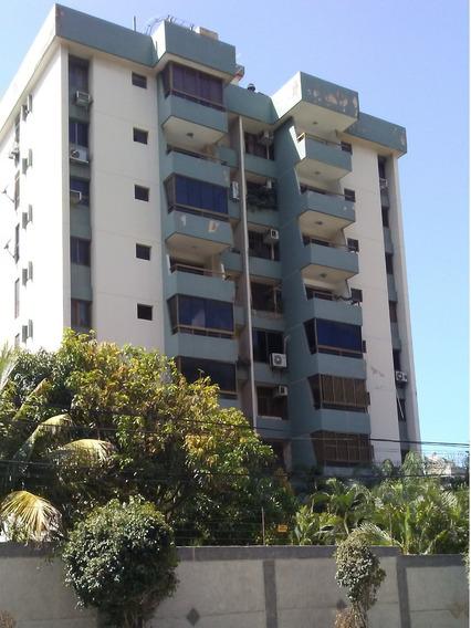 Alquilo Apto. 2 Hab 2 Baños Urbanización Caribe, Caraballeda