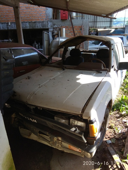 Nissan 720 Ual T