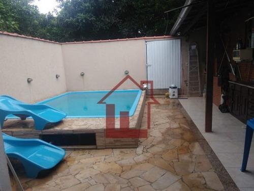 Casa Padrão À Venda Em Volta Redonda/rj - C1772